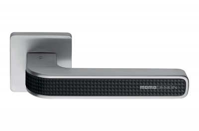 Tecno Satin Chrome + Manija para puerta de carbono en roseta de carbono de Momo Design Colombo Design