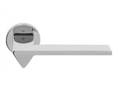 Manija de la puerta en cromo pulido Ama en roseta por el diseñador de diseño Andrea Maffei para Colombo Design