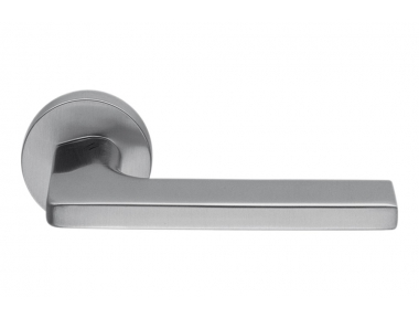 Tirador de puerta estilo inglés de Zirconio HPS de acero inoxidable Gira en rosetón de Colombo Design